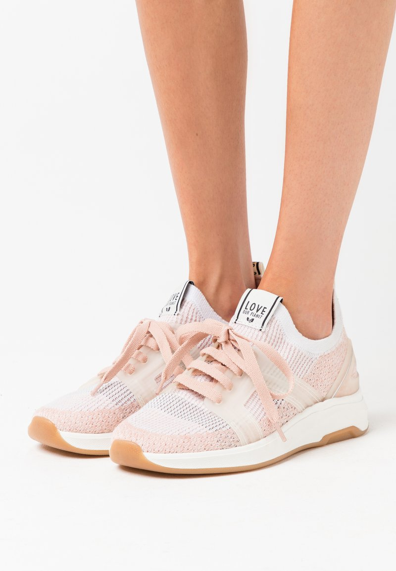 LOVE OUR PLANET by NOVI - VENERE - Sneakers basse - blush/offwhite