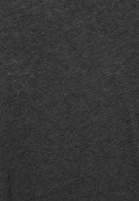 Cotton On Body - LIFESTYLE SLOUCHY MUSCLE - Basic T-shirt - black wash - 2