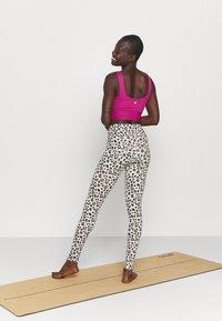 Cotton On Body - SCOOP NECK VESTLETTE - Débardeur - boysenberry - 2