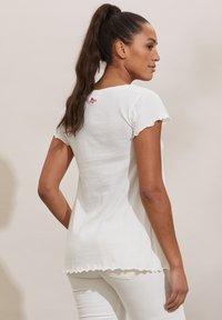 Odd Molly - CAROLE - Print T-shirt - light chalk - 1