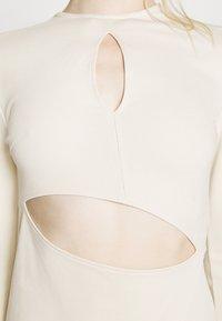 NU-IN - STEFANIE GIESINGER X nu-in CUT OUT LONG SLEEVE MINI DRESS - Shift dress - beige - 7