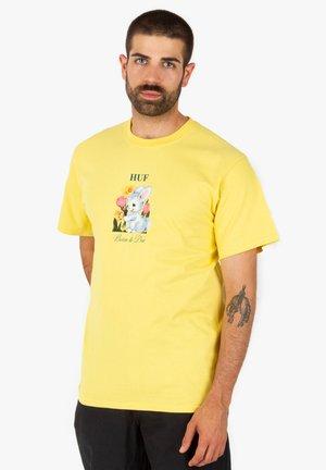 Born  - Print T-shirt - yellow