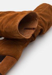 Vero Moda - VMBIA BOOT - Laarzen - cognac - 5