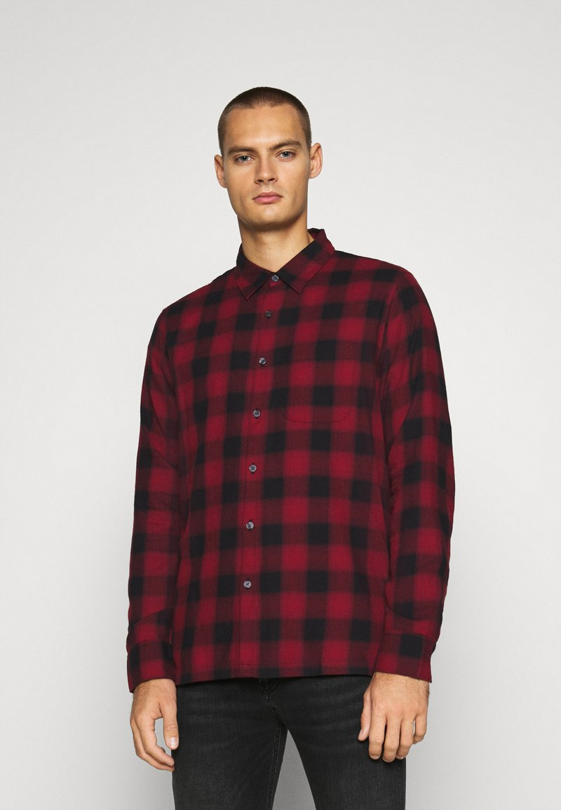 Abercrombie & Fitch - DRAPEY  - Skjorta - red ombre