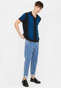 WE Fashion - WE FASHION HEREN FIJNGEBREIDE POLOTRUI - Shirt - dark blue - 1