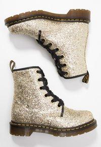Dr. Martens - 1460 FARRAH - Bottines à lacets - gold chunky glitter - 3