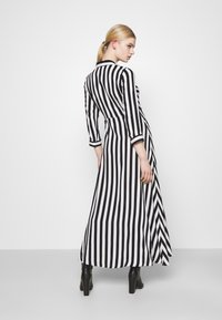 YAS - YASSAVANNA LONG DRESS - Maksimekko - black/ white stripes - 2