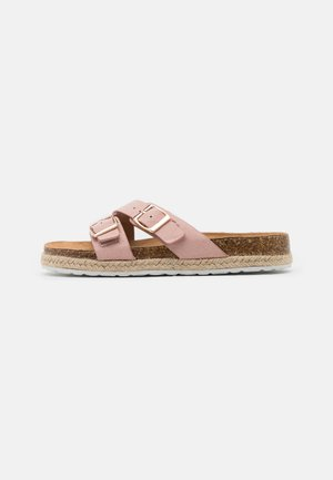 WIDE FIT FOXY DOUBLE BUCKLE FOOTBED - Hjemmesko - pink