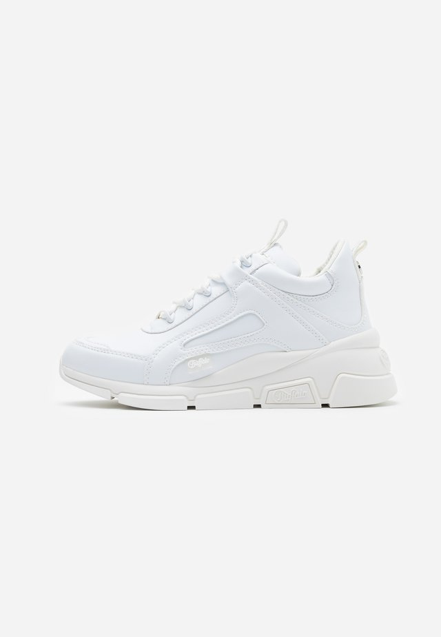 BATTER SLEEK - Trainers - white
