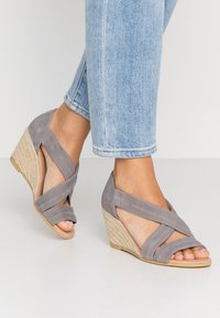 Office Wide Fit - MAIDEN WIDE FIT - Wedge sandals - grey - 0