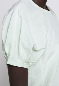 Club Monaco - SCULPTURED SLEEVE  - Blouse - green - 6
