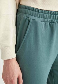 DeFacto - Tracksuit bottoms - green - 4