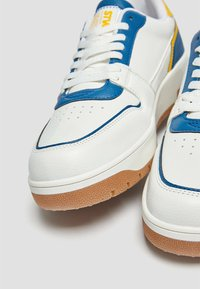PULL&BEAR - Trainers - blue - 3