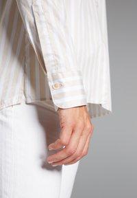 Eterna - Button-down blouse - beige/weiß - 2