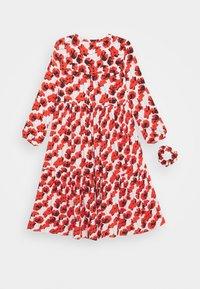 Cost:bart - KENYA DRESS - Denní šaty - red - 1