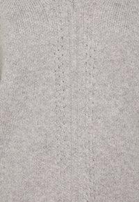 Selected Femme Petite - VNECK - Neule - light grey melange - 2