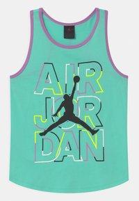 Jordan - GIRLS AIR - Top - green glow - 0