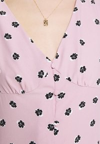Glamorous - BUTTON FRONT MINI DRESSES WITH PUFF SLEEVES SMOCKED CUFFS - Skjortekjole - pink - 6