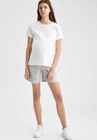 DeFacto - Shorts - grey - 0