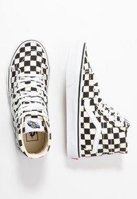 Vans - SK8 TAPERED - Sneakers hoog - black/true white - 3