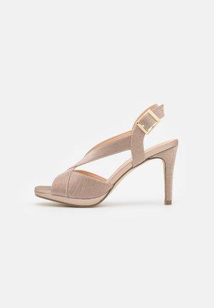 Sandals - even rose