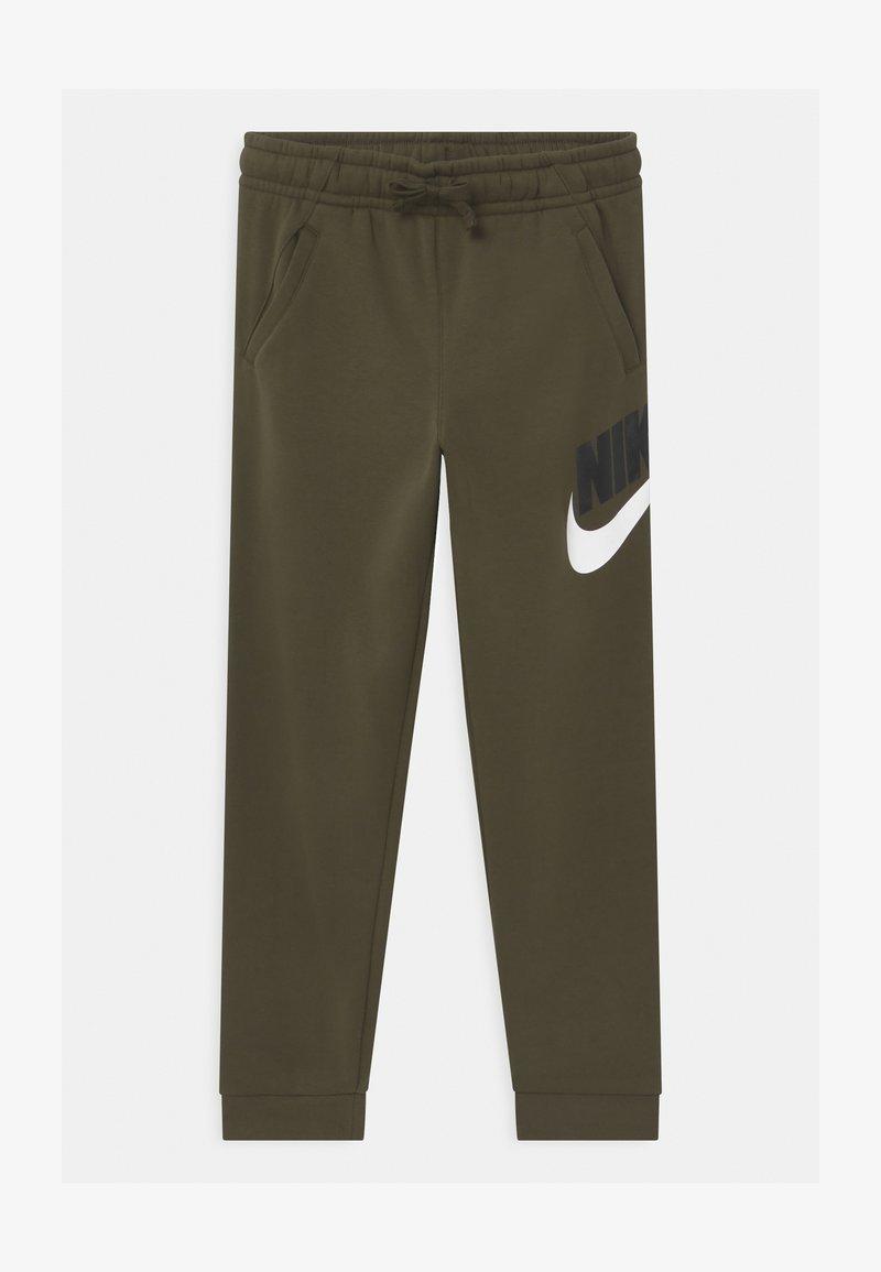 Nike Sportswear - PLUS CLUB - Tracksuit bottoms - khaki