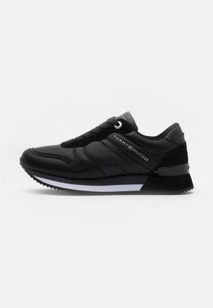 ACTIVE - Sneakers laag - black