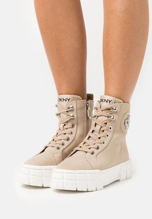 PERI LACE UP HIGH TOP  - Platform ankle boots - beige