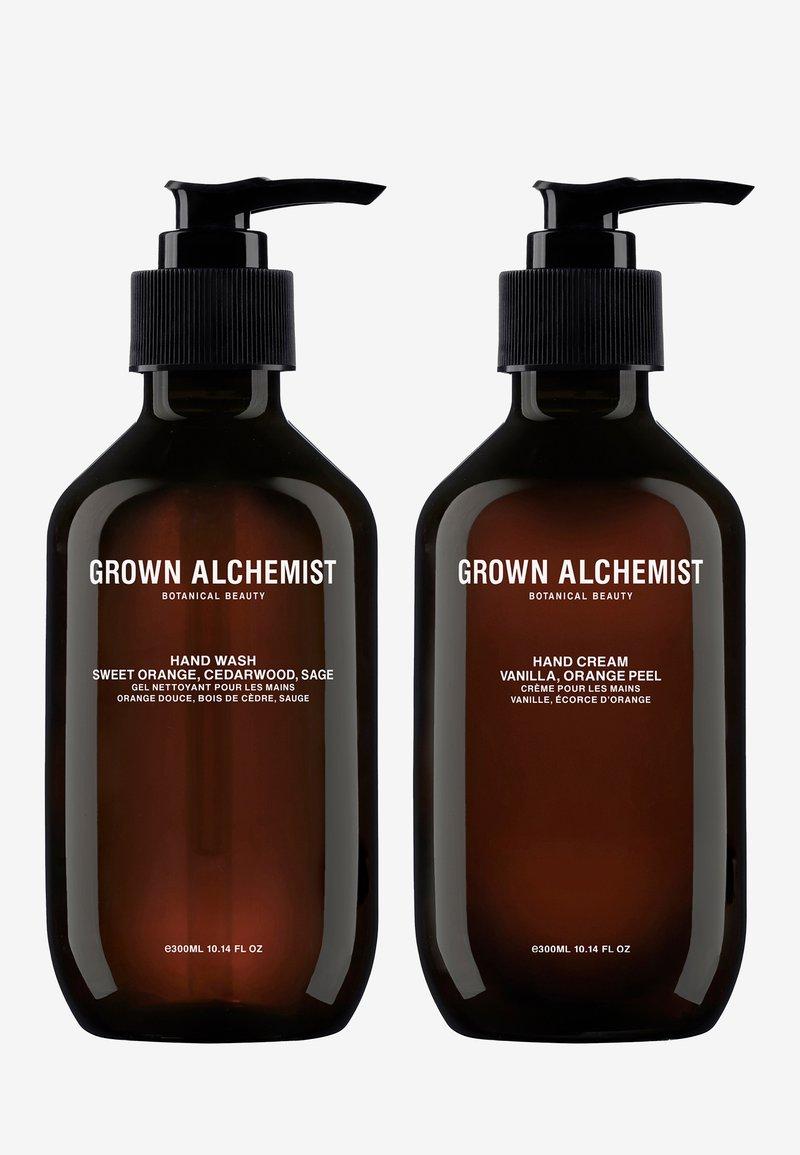 Grown Alchemist - HAND WASH & HAND CREAM - Bad- & bodyset - -