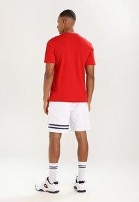 Lacoste Sport - HERREN - Basic T-shirt - red - 2