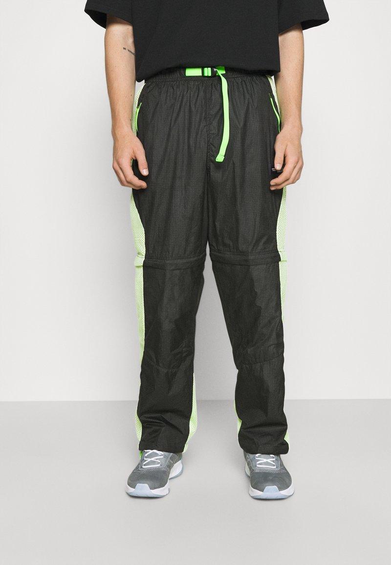 Jordan - TRACK PANT - Träningsbyxor - black/light liquid lime/electric green