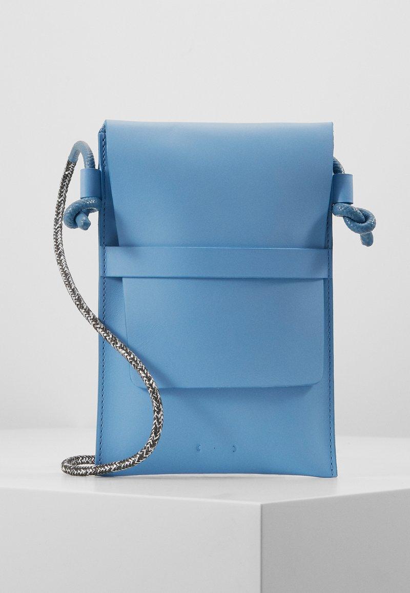 PB 0110 - Schoudertas - baby blue