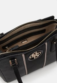 Guess - OPEN ROAD LUXURY SATCHEL - Kabelka - coal - 3