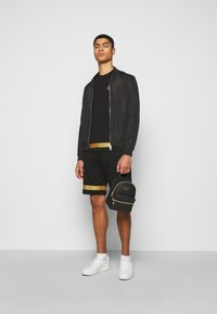 EA7 Emporio Armani - Short - black/gold - 1