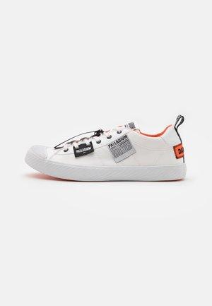 PALLAPHOENIX OVERLAB UNISEX - Sneakers laag - white