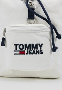 Tommy Jeans - HERITAGE BACKPACK - Rucksack - white - 6