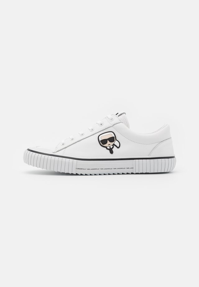 KAMPUS KARL 3D IKON - Trainers - white