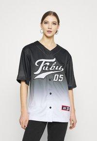 FUBU - VARSITY BASEBALL - Print T-shirt - black - 0
