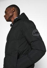 Alessandro Zavetti - ZAVETTI CANADA SALVINO LONGLINE PUFFER - Winter coat - black - 6