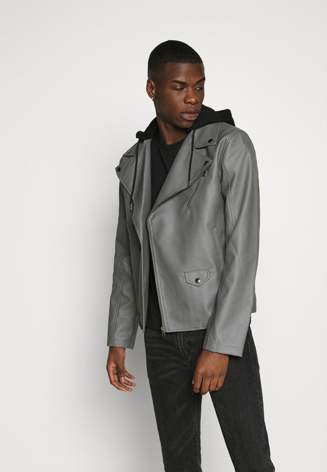 HOODED BIKE JACKET - Giacca in similpelle - grey