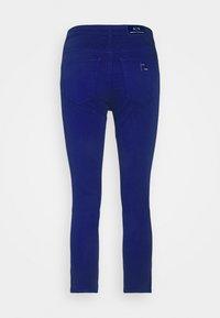 Armani Exchange - Pantalones - new ultramarine - 1