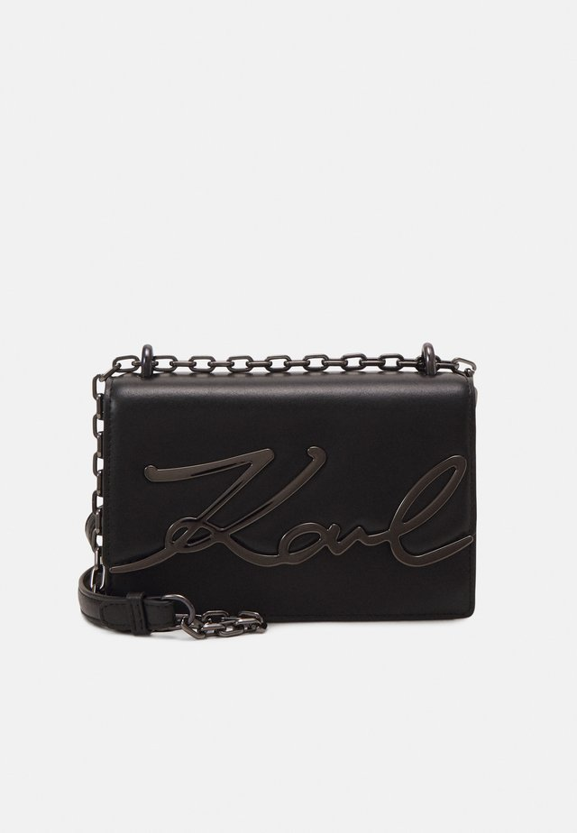 SIGNATURE SMALL SHOULDERBAG - Sac bandoulière - black/gun metal