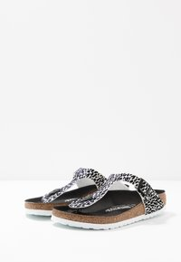 Birkenstock - GIZEH - T-bar sandals - black - 4
