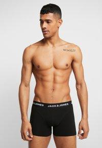 Jack & Jones - JACSHELBY TRUNKS 3 PACK - Culotte - bonnie blue/black/rosin - 1