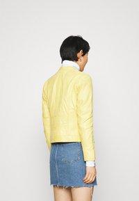 Gipsy - CHARLEE LAORV - Kožená bunda - pastel yellow - 2