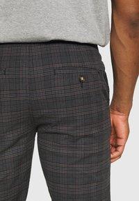 Redefined Rebel - KING PANTS - Kalhoty - dover check - 3