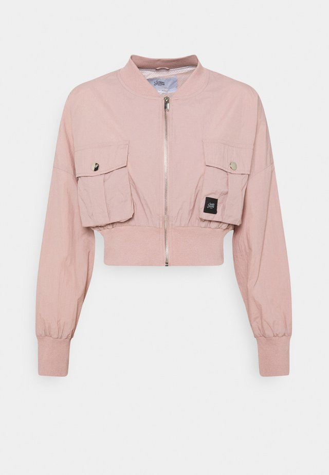 CARGO CROP JACKET - Bomberjacks - pink
