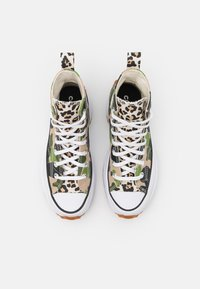 Converse - RUN STAR HIKE ARCHIVE GONE WILD UNISEX - Sneakers hoog - candied ginger/piquant green/white - 3