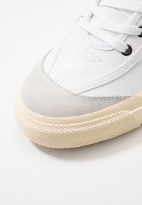 Goliath - NUMBER ONE - Sneakers laag - white - 5