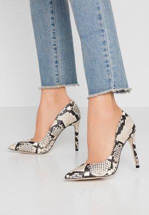 MYKEL - Zapatos altos - black/white